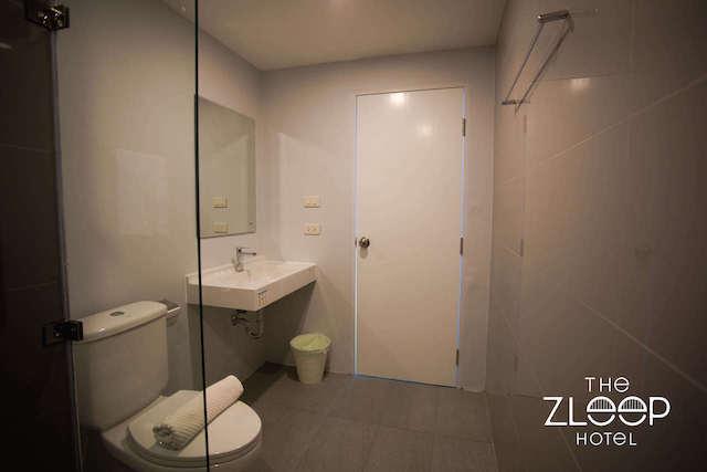 Restroom2-1